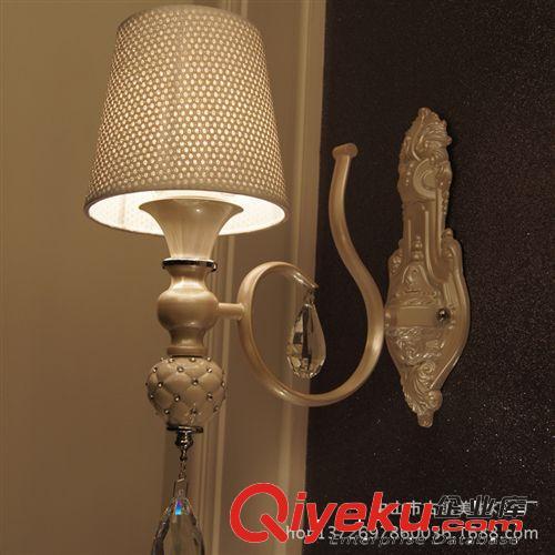外贸灯饰批发 欧式陶瓷节能水晶壁灯 创意欧式l时尚简约水晶壁灯(图)
