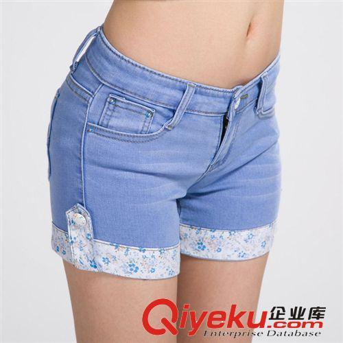 浅蓝色拼接女款短裤