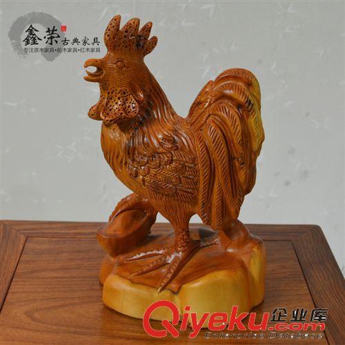 品/纯手工雕刻摆件pxr07图片由中山市三乡镇古鹤鑫荣古典家具店提供