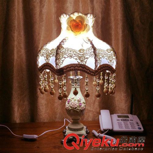 定制台灯创意树脂欧式酒店结婚礼品时尚床头灯田园灯饰