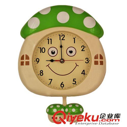 生产销售 创意可爱卡通儿童卧室摇摆挂钟 月亮 蘑菇 甲虫造型挂表