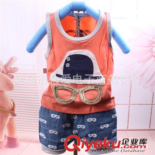 2014夏季新款韩版宝宝背心套装帽子眼镜T恤牛仔短裤两件套装批发