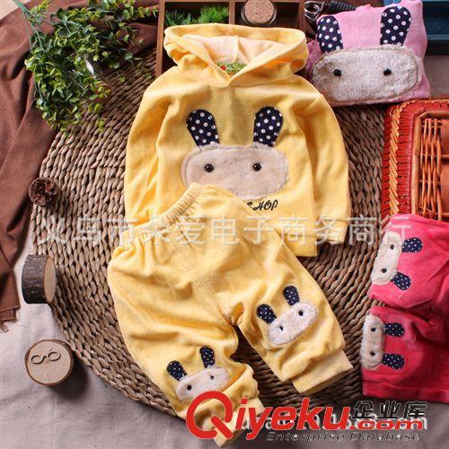 特价 春款女宝宝耳朵兔子套装长袖连帽T恤长裤女童套装金丝绒套装