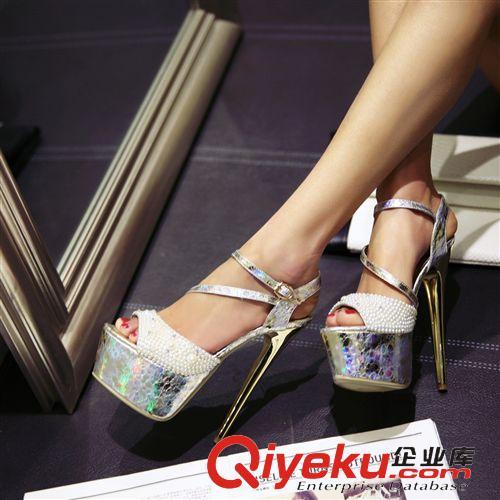 2015年4月新款 2015新款时尚女凉鞋女欧美夜